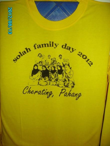 baju hari keluarga