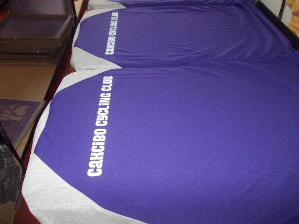 cetak baju hari keluarga