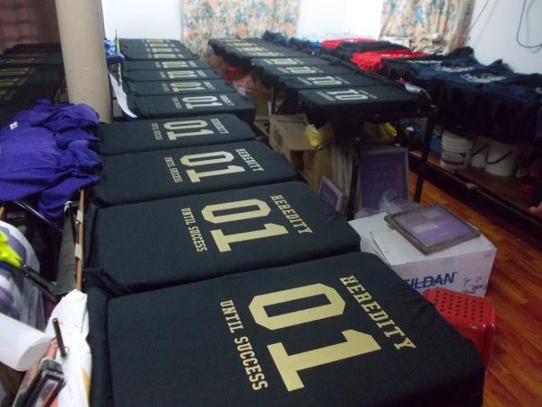 tshirt print gold